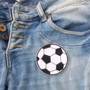 Tygmärke stor fotboll på jeans