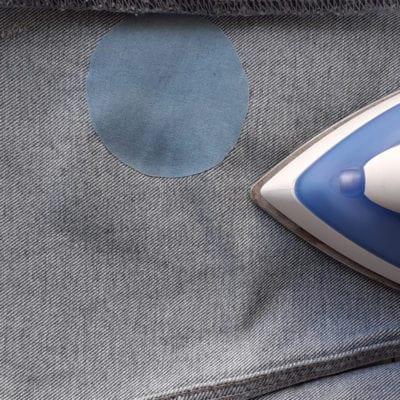 Laglapp i blå jeansfärg i polyester
