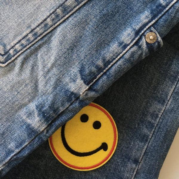 Roligt tygmärke - stort leende - patch