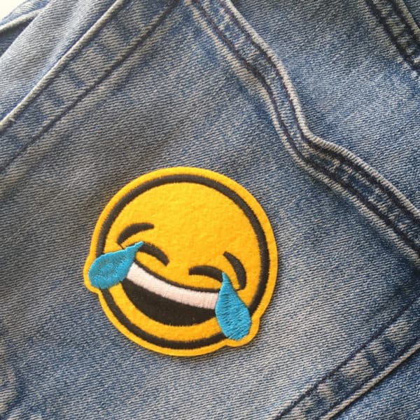 Gråtande emoji - tygmärke - barn