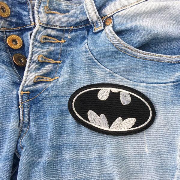 Batman-symbol på jeans - tygmärke