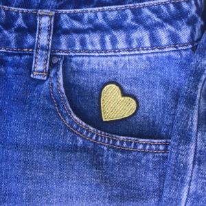 Guldhjärta svart kant jeans - Tygmärke