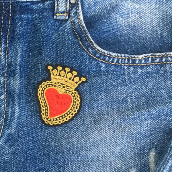 hjärta krona guldkrans jeans - tygmärke