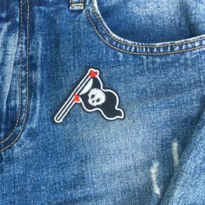 Piratflagga Jolly Roger jeans - tygmärke