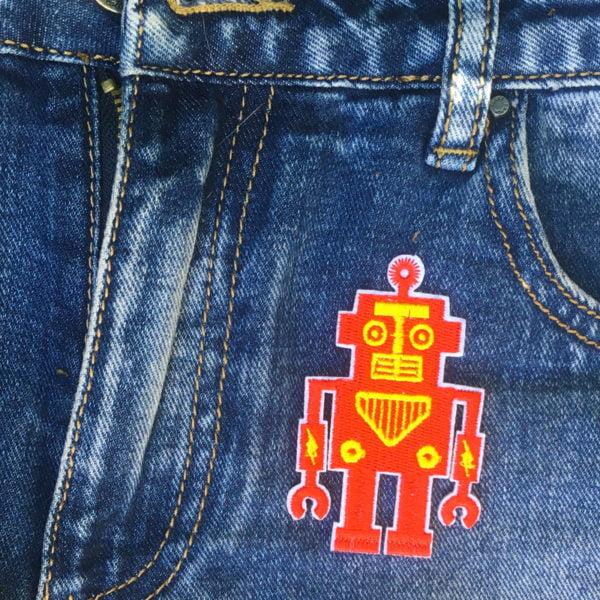 Röd robot - tygmärke