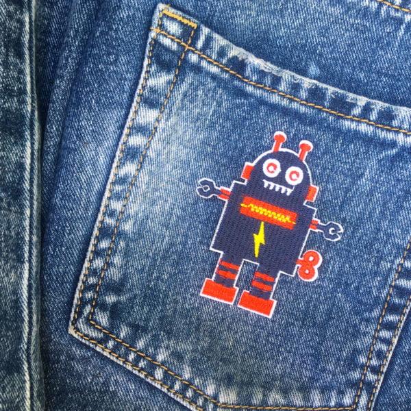 Blå robot - tygmärke - broderad