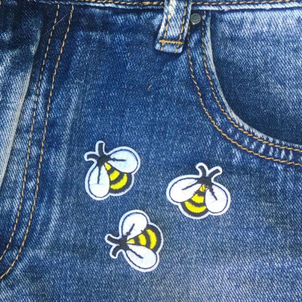 Tre runda humlor på jeans - Tygmärke - Patch