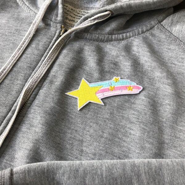 fallande stjärna färgglad - tygmärke tröja