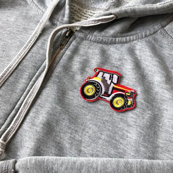 röd vit traktor - tygmärke tröja