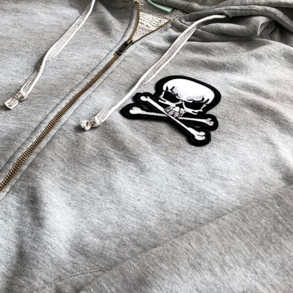 skull and bones tröja - tygmärke
