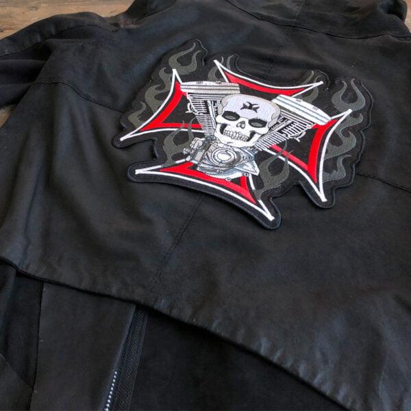 Stort tygmärke för ryggen - Dödskalle, motor och kors läderjacka