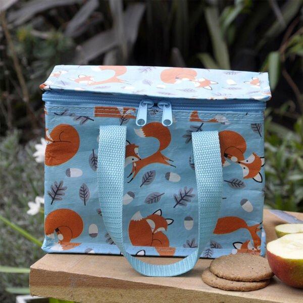 lunchväska med motiv på rävar
