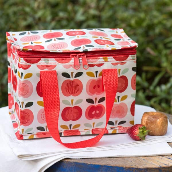 lunchväska med motiv på äpplen