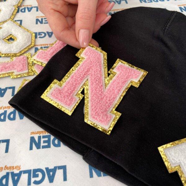 påstrykbara bokstäver märkning mössa