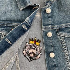 tygmärke björn kung jeansjacka